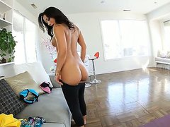 Beautiful asian slut Asa Akira has