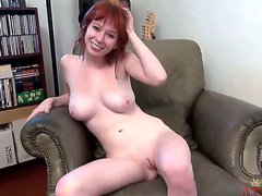 Exotic Zoey Nixon strips down to her bare skin