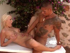 Teena dolly enjoys outdoor anal