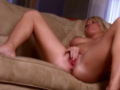 Blonde babe niki lee young is home alone