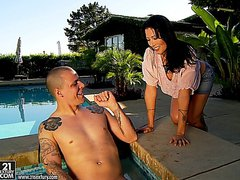 Dark haired latin mature fucking in the pool