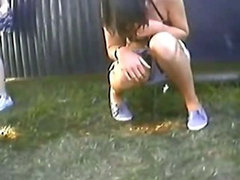 outdoor pee #03
