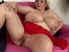 Thick make woman Juliana shows her naughty bits in this