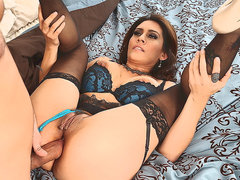 MILF Raylene in lingerie offers her juicy fuckable ass to