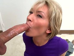 Holly Marie Bryn loves to suck