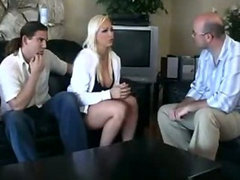 Nikki Hunter goes over to new boyfriend home to me