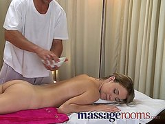 Massage Rooms Strong Expert Hands Make Her Cum