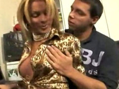 Blonde transex escort fuck to pay her laptop