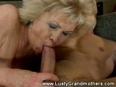 Mature amateur fatty pussy fucked in her hairy pussy