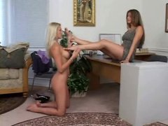 Lesbians licking and sucking toes