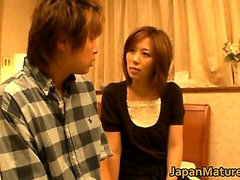 Japanese mature lady has great sex