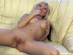 Horny and busty blonde babe with nice pale body and