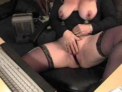 Mature webcam show with clamps on nips