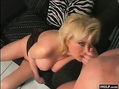 Sexy cougar going wild